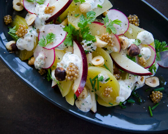 Salade de betteraves et de noisettes